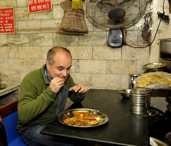 New Delhi, India - Jan. 3, 2015: Len Wolfson, an American National tastes some Old Delhi food in New Delhi, India, on Saturday, January 3, 2015. (Photo by Saumya Khandelwal/ Hindustan Times)